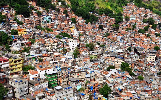 Vista aérea da favela da Rocinha, no Rio de Janeiro