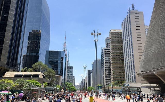 Avenida paulista aberta para pedestres e ciclistas