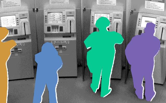 Montagem mostra fotografia em preto-e-branco de quatro caixas eletrônicos. Em frente aos caixas, há ilustrações de pessoas (na verdade, silhuetas de pessoas) nas cores laranja, azul, verde e roxo.